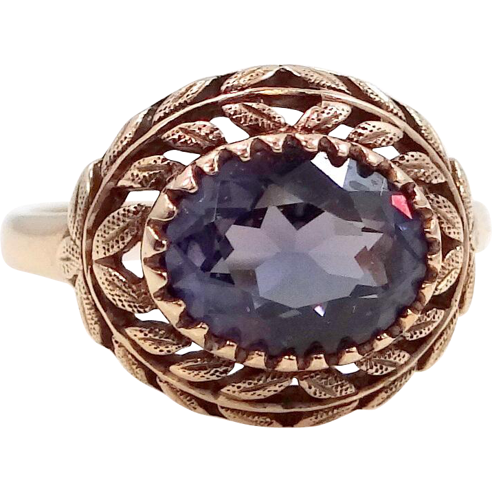 10k Gold Color Changing Sapphire Ring With Wreath Motif