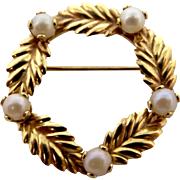 14k Gold Cultured Pearls Circle Pin with Leaf Motif
