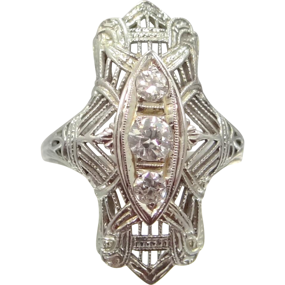 18k White Gold Art Deco Three Diamond Filigree Ring