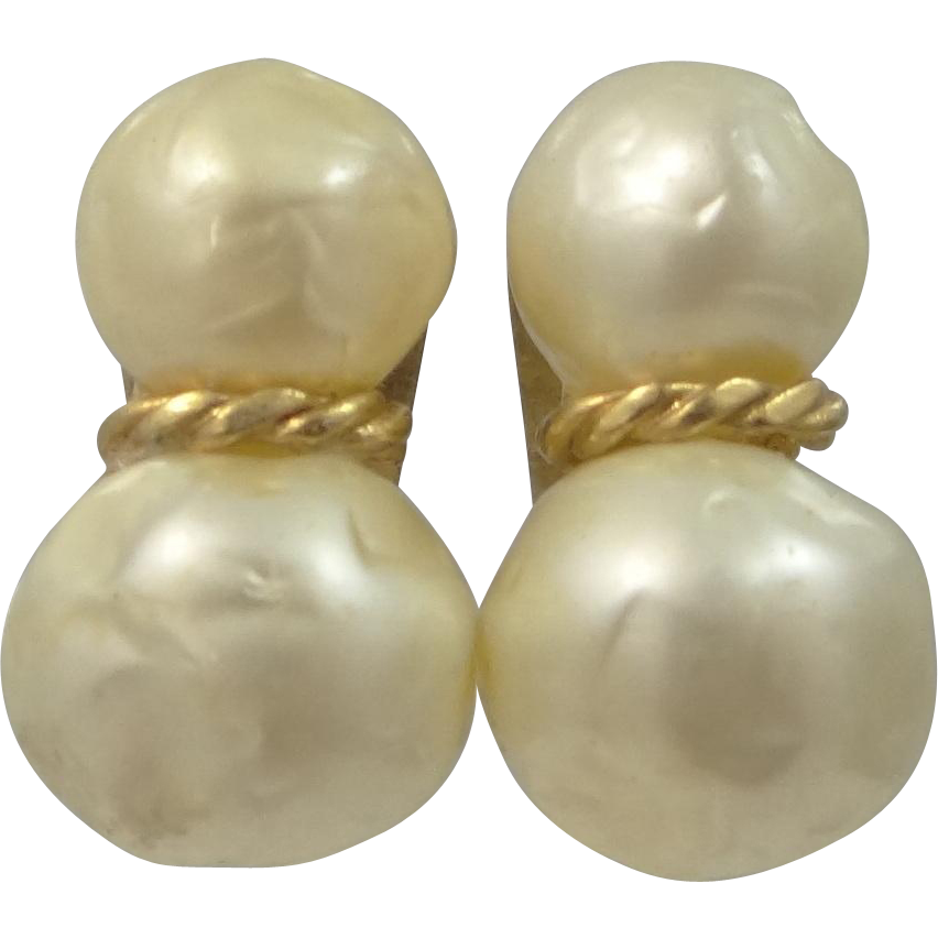 Hattie Carnegie Large Faux Baroque Pearl Clip on Earrings