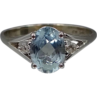 14k White Gold 1 1/4 Carat Aquamarine and Diamonds Lady's Ring
