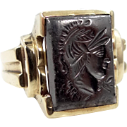1920's 10k Solid Gold Man's Hematite Roman Soldier Cameo Ring