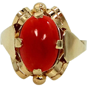 Retro Era 14k Gold and Natural Coral Lady's Ring