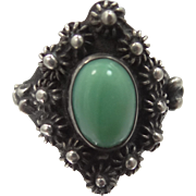 Mexico Sterling Silver Etruscan Design Green Agate Ring