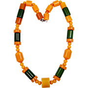 """1940s 19"""" Long Green and Butterscotch Bakelite Necklace"""