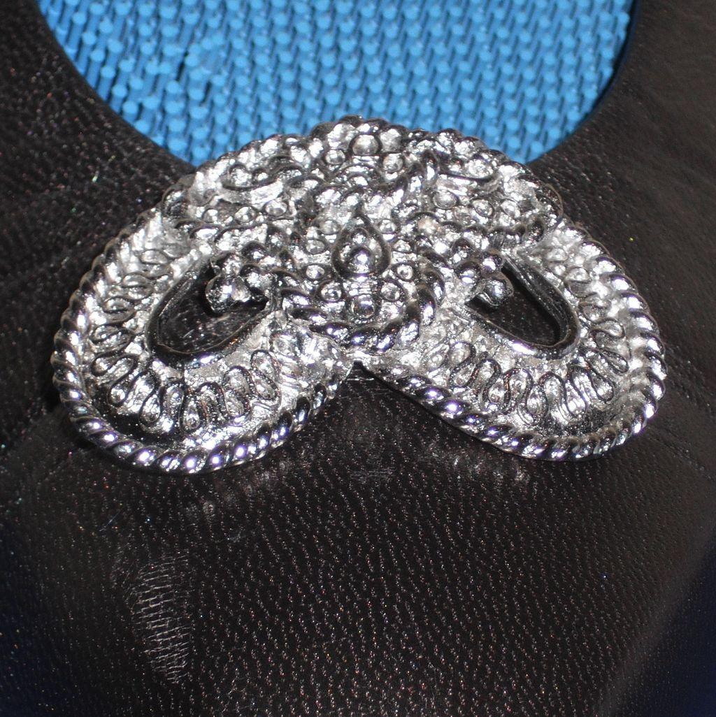 MUSI Shoe Clip – Cast Metal Modified Heart