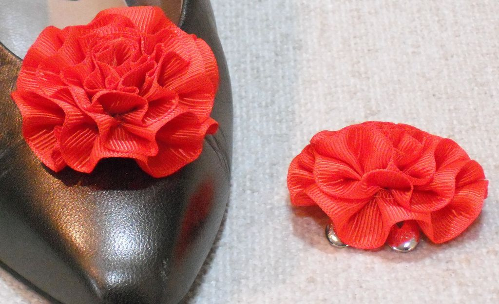 MUSI Shoe Clip – Flame Red Faille Rosette
