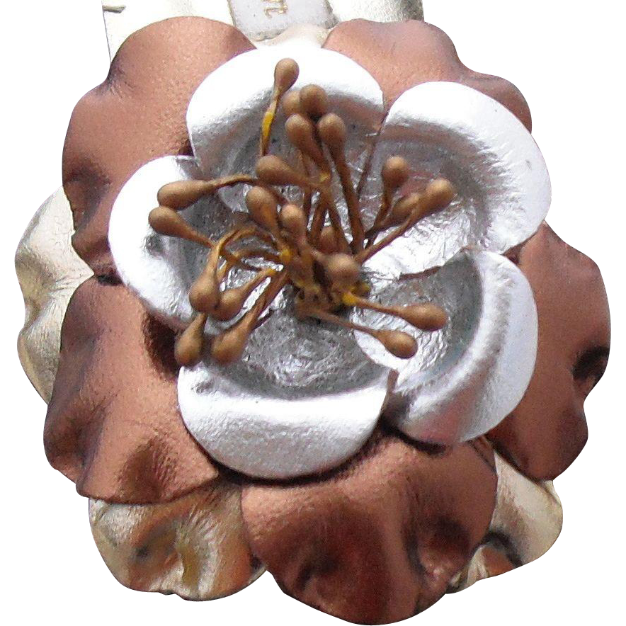 MUSI Shoe Clip – Metallic Multi Leather Flower