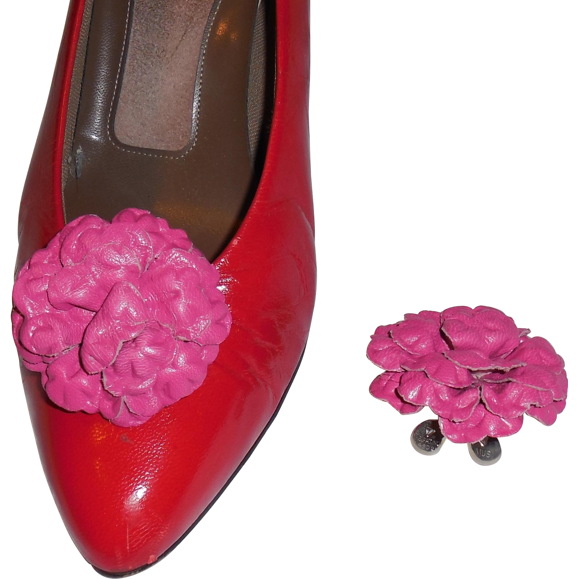 MUSI Shoe Clip – Fuchsia Leather Flower