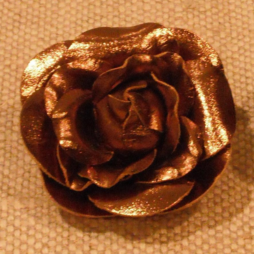 MUSI Shoe Clip - Bronze Leather Rose.