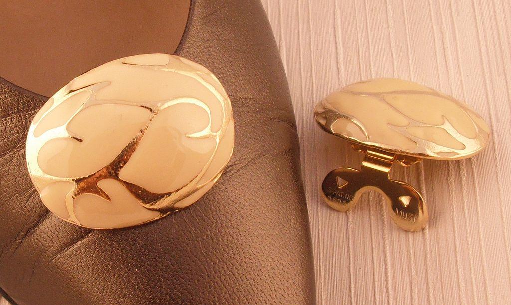 MUSI Shoe Clip – Oval Casting with Bone Epoxy