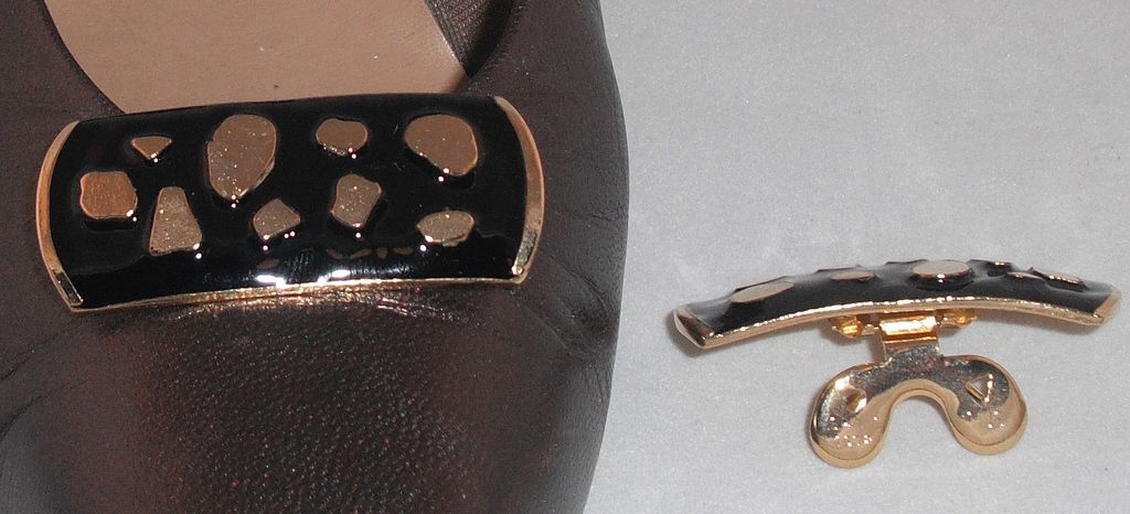 MUSI Black Epoxy Leopard Shoe Clip