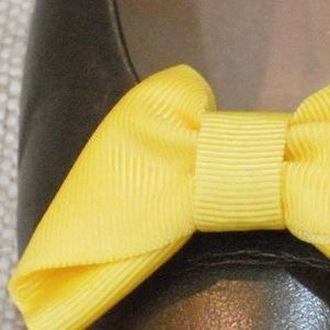 MUSI Shoe Clip – Yellow Faille Bow