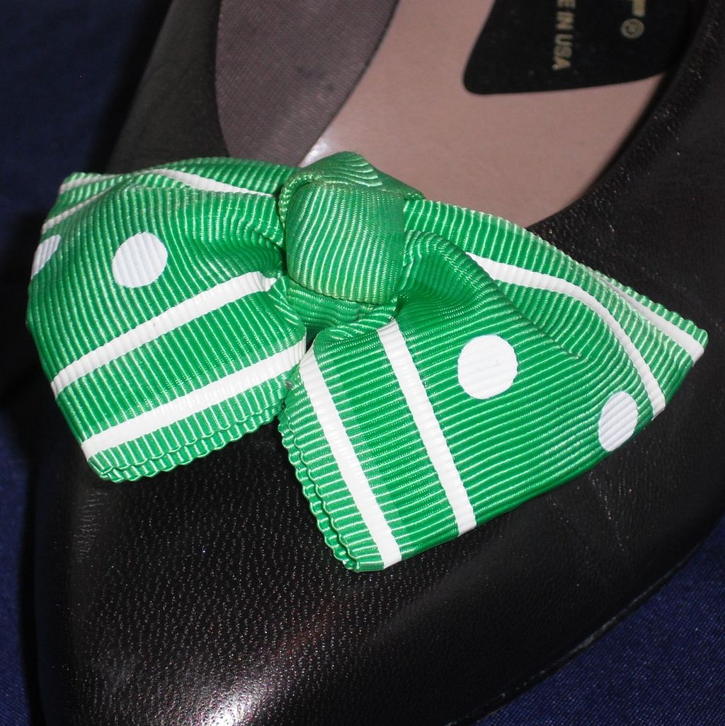 MUSI Shoe Clip – Kelly Green/White Polka Dot Stripe