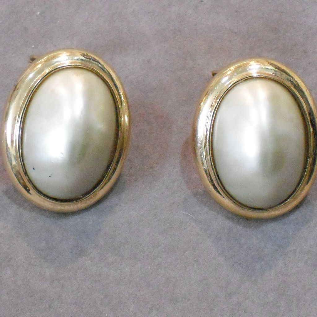 Large Vintage Ciner Oval Faux Pearl Clip Earrings