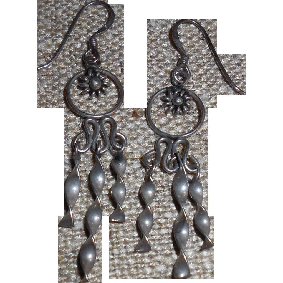 Vintage Swinging Sterling Silver Earring - Pierced