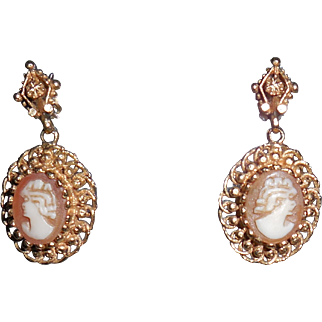 14 Karat Yellow Gold Small Cameo Vintage  Earrings