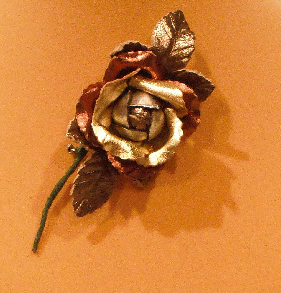Metallic Multi Leather Rose with Leaves - Pin by MUSI