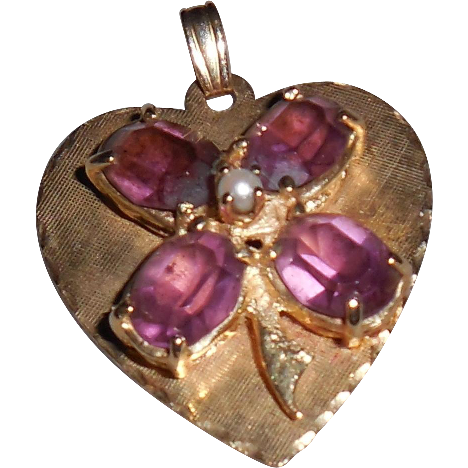 14 Kt Heart Pendant with Amethysts in Shape of Shamrock