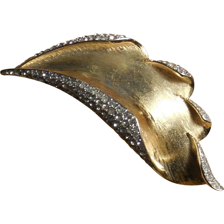 Crown Trifari Sculptured Gold Plated Leaf Brooch Pin with Rhinestones