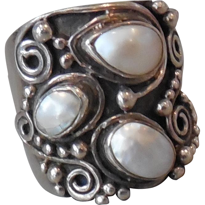 Vintage Sterling Silver Wide Three Pearl Ring size 6.75