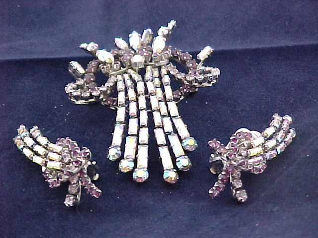 Vintage – Austrian Crystal Pin and Earrings Set – Clip