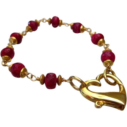 8mm Ruby-Floating Heart Focal Clasp-24k Gold Vermeil Bracelet