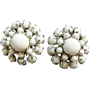 Nice White/Milk Glass Vintage Clip on Earrings
