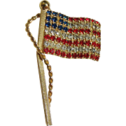 Vintage Rhinestone Waving Flag Pin Gold-tone Rope/Pole