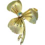 Signed Lisner Flower Pin w/ Aurora Borealis Rhinestones w/Gold tone