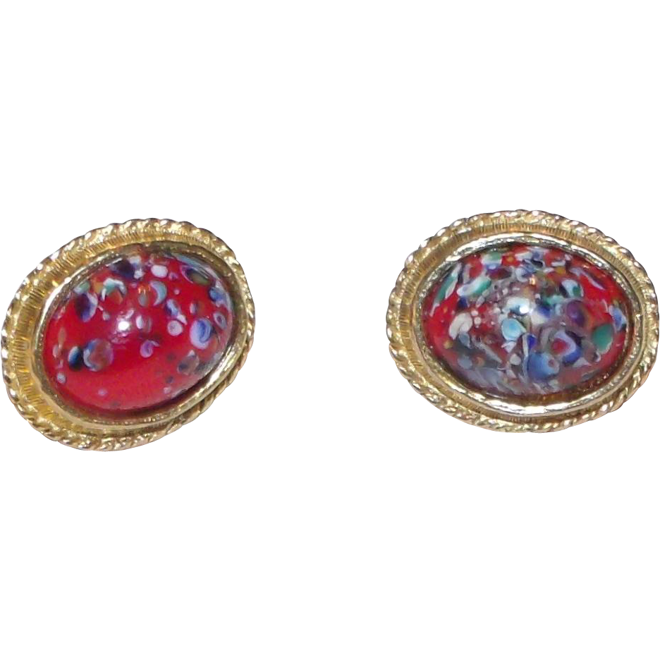 Red Art Glass Accessocraft N.Y.C. Earrings Screw type clip on Multicolor goldtone