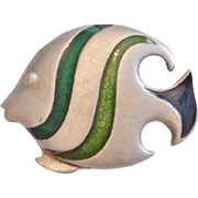 L Razza Green Enamel Pewter Look Angel Fish Brooch Pin