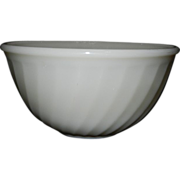 Vintage Fire King Ivory Swirl Mixing Bowl
