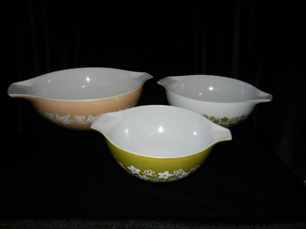 Vintage Nesting Set of Pyrex  Cinderella Bowl- #'s 442, 443, 444