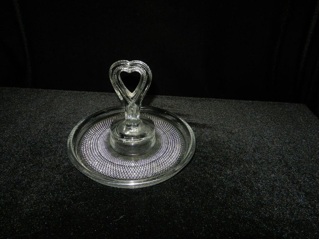 Vintage Duncan Miller Teardrop Heart Handel Mint Tray