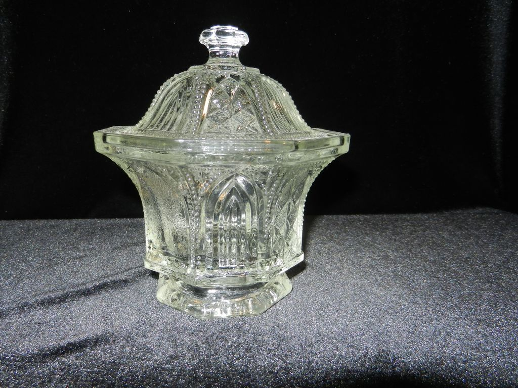 Vintage Avon Limited Edition Covered Candy or Sugar Bowl
