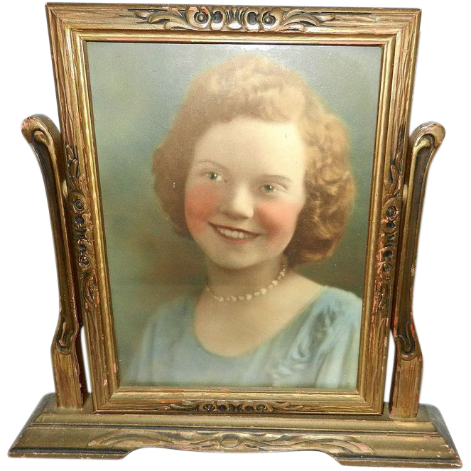 vintage wood deco swinging picture frame with picture tag sold on ruby