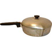 Vintage Magnalite Wagner Ware Chicken Frying Deep Skillet number 4569 M Pan with Left and Right Pour Spouts