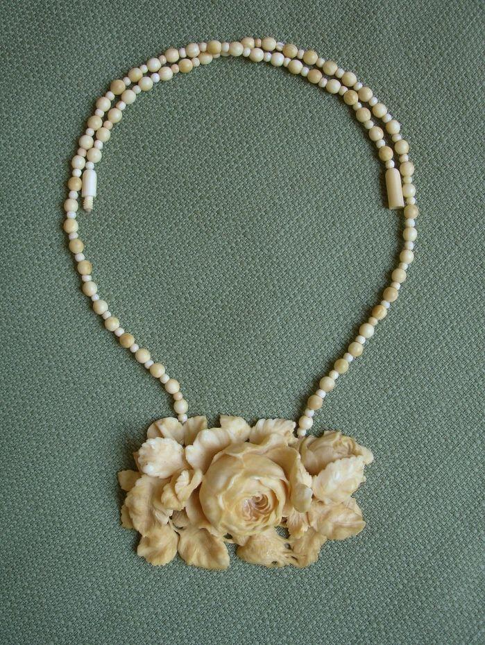 AMAZING PLUSH Victorian Genuine Ivory Cabbage Roses Antique Necklace -- WOW..Exquisite !!
