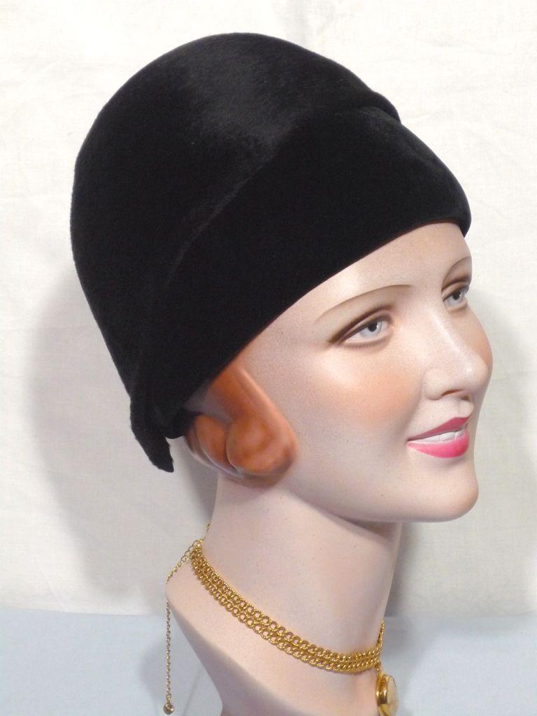 Vintage 1960s  Archie Eason Fur Felt and Velvet Helmet Cloche Style Hat