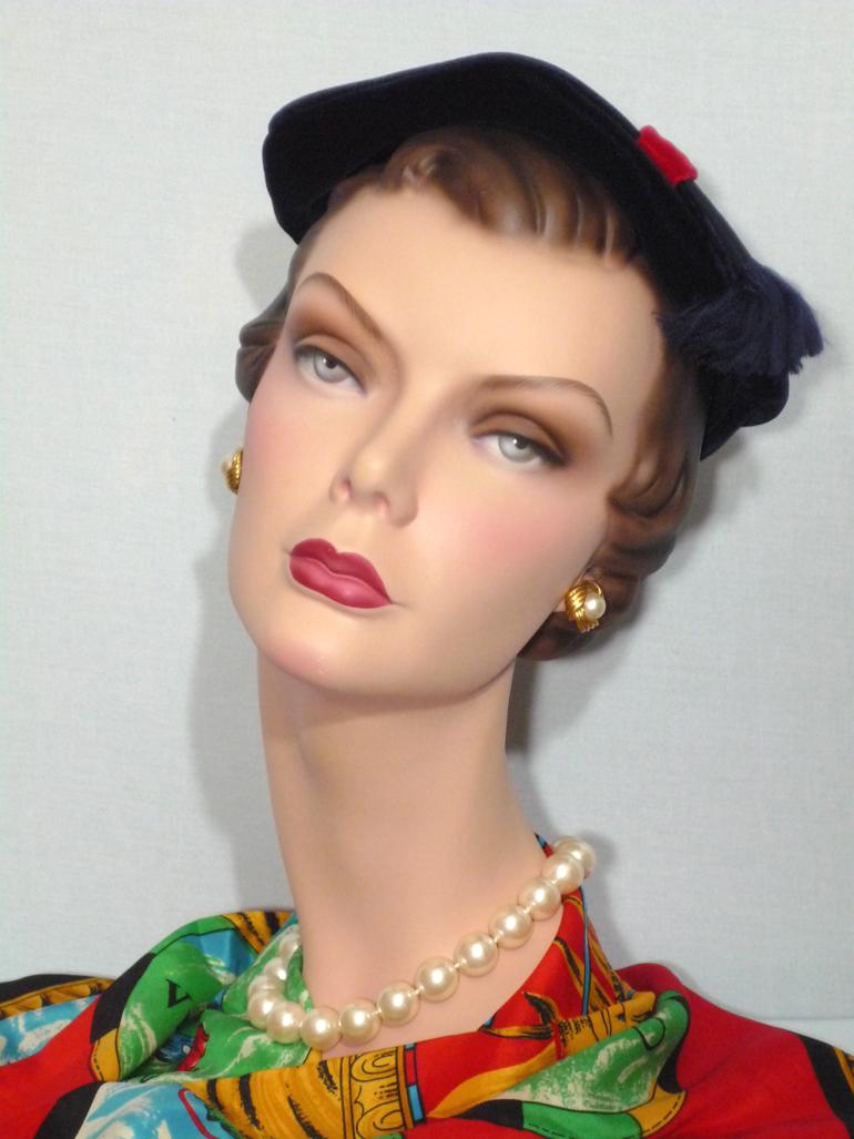 Vintage 1950s  Maxcele Original Blue Velvet Close Hat
