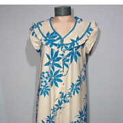 Vintage 1960s  Andrade Resort Shops Print Traditional Hawaiian Dress