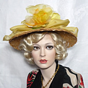 Vintage Late 1950s  Early 1960s Evelyn Varon Natural Straw hat With Yellow Silk Organza Flowers
