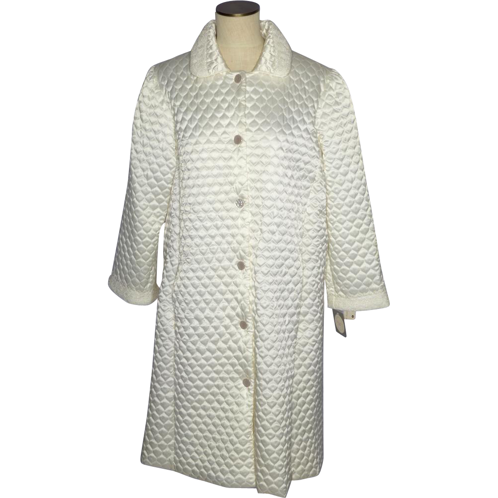 Vintage 1970s christian dior quilted robe saks fifth for Saks 5th avenue robes de mariage