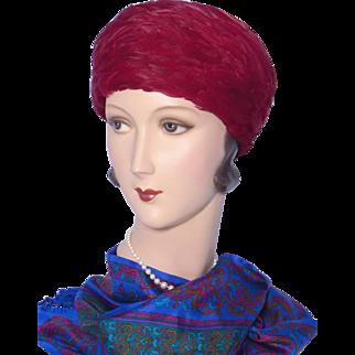Vintage 1960s Dowa Burgundy Feather Toque Style Hat