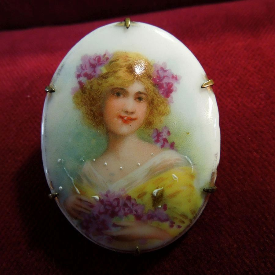 "Art Nouveau Portrait ""Woman Draped In Wisteria"" Porcelain Brooch C 1900-1910"