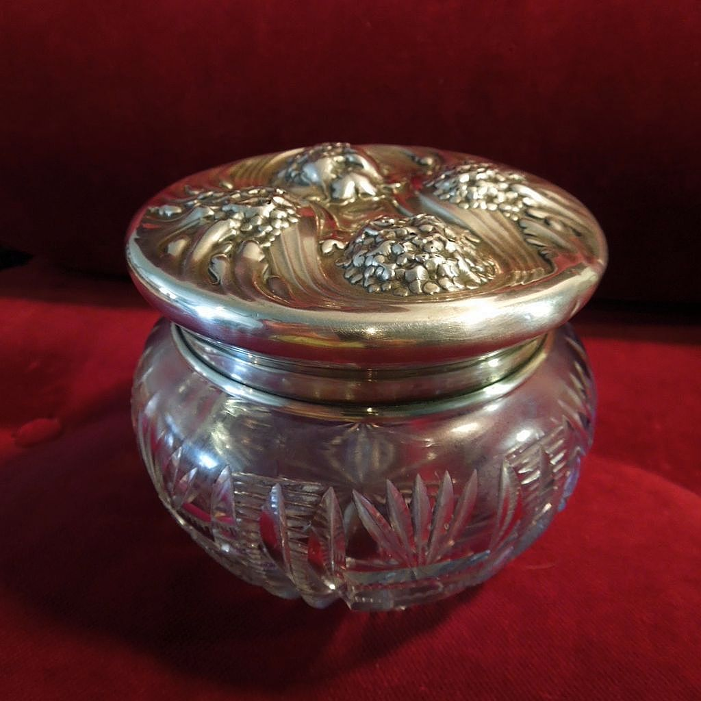 Oneida Sterling and Cut Crystal Hallmarked Victorian Powder Jar