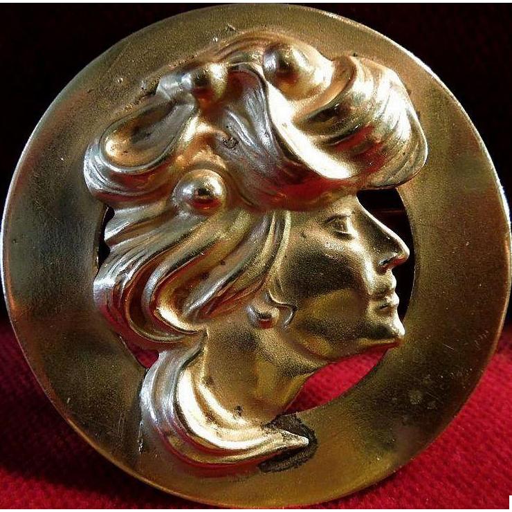 Art Nouveau Lady Turn of the Century La Belle Epoch Brooch Pin