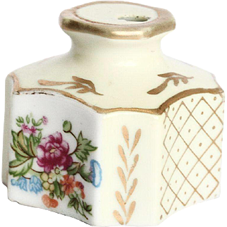 Creamy Yellow Japanese Porcelain Vintage Gold-Leafed Inkwell with Flowers