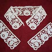 Vintage White Openwork Lace Collar and Cuff Set